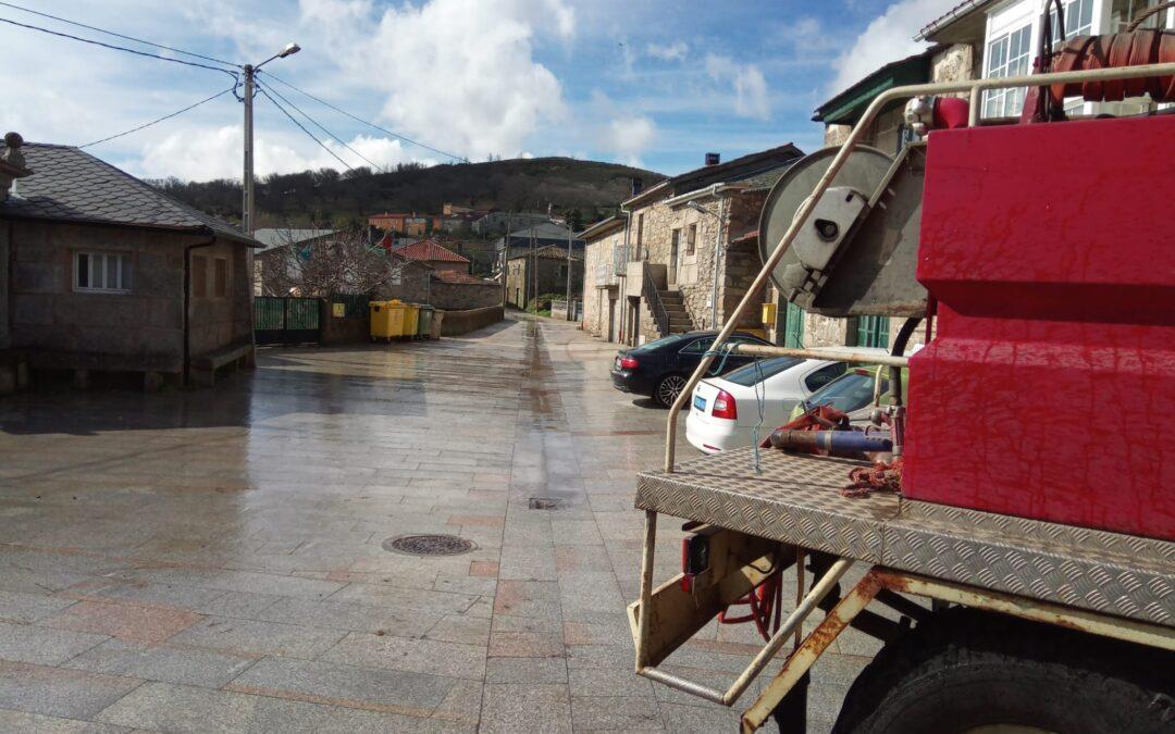 Desinfectando as Rúas de Chaguazoso